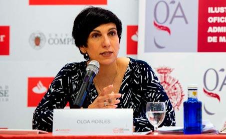 Dña. Olga Robles